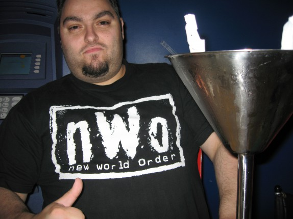 derryX in his nWo shirt