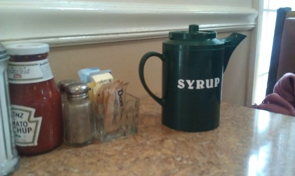 Fun syrup container