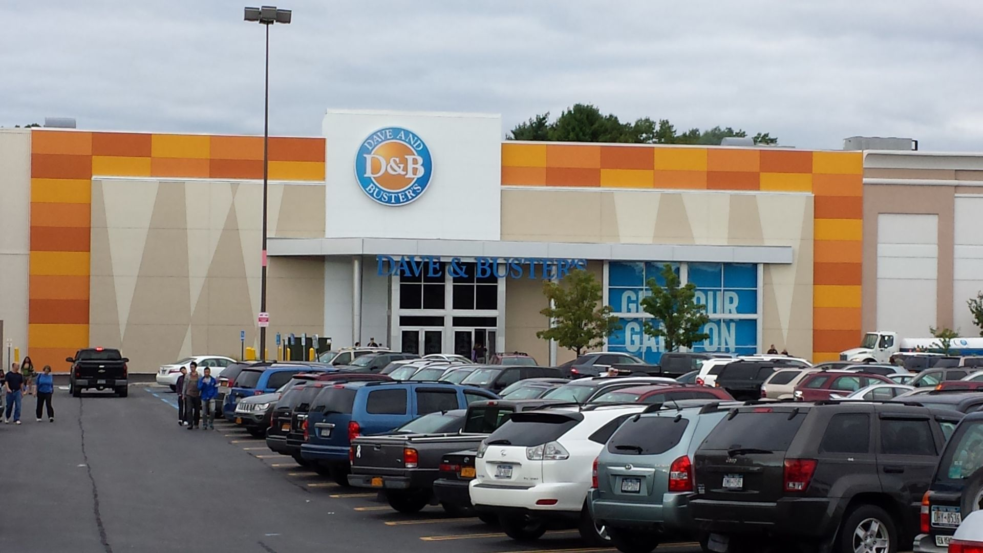 Dave and Buster´s store or outlet store located in Albany, New York - Crossgates Mall location, address: 1 Crossgates Mall Road, Albany, New York - NY Find information about hours, locations, online information and users ratings and reviews. Save money on Dave and Buster´s and find store or outlet near me.3/5(1).