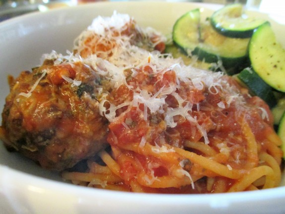 Spaghetti and meatballs with zucchini