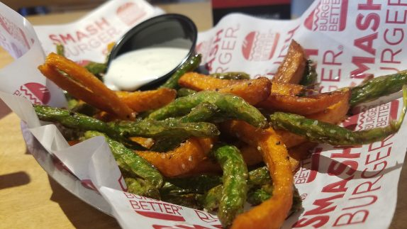 Veggie Frittes (Fresh green beans & carrot strips, flash fried.)